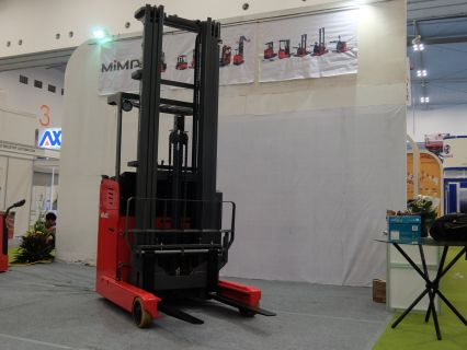 Forklift Reach Trucks Electric Stand On Reach Truck MF10/12/15/20/30 8 forklift_reach_truck