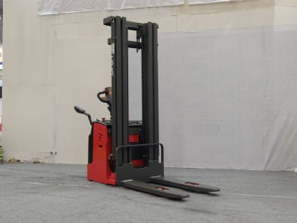 Forklift Stacker Power Pallet Stacker 1.5T-2.0T Lifting 1.6-5 Mtr With 24V 210AH Battery 4 forklift_stacker_